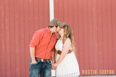 Tara & Andrew Engagement Session in Fort Wayne // Photography by Dustin and Corynn // Fort Wayne Photographers