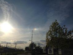 In #Zevenaar zien we op dit moment een bij-zon. Maandag 4 mei 2015. Via twitter @Weermetputman.