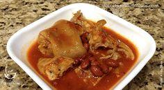 Por Doña Ada Medina de Miranda - Esta es la receta de Patitas de Cerdo guisadas con habichuelas coloradas. Rapida, usando patitas frescas y sin sal.