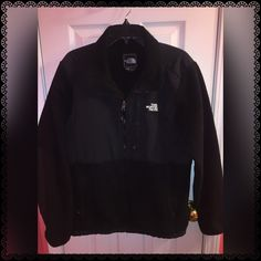 Black North Face✨ In great condition!! North Face Jackets & Coats