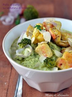 Pollo al curry su vellutata di broccoli