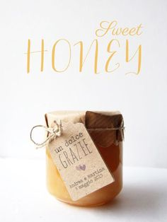 PACKAGING | tag miele bomboniera Wedding Favours, Party Favors, Wedding Gifts, Wedding Cakes, Wedding Day, Bomboniere Ideas, Honey Bottles, Honey Favors, Bee Keeping