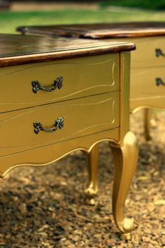 diy metallic gold finish. Ok, I'm sold, I am painting this old table I have laying around! That looks sweet!
