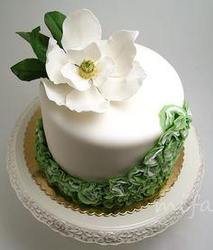southern magnolia maggie austin - Google Search Wedding Cake Decorations, Wedding Cakes, Sugar Flowers, Magnolia, Cake Decorating, Southern, Google Search, Desserts, Food