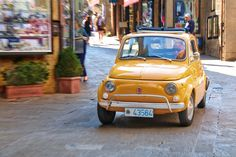Carefree urban chic: the Fiat 500 Car Facts, Fiat 500, Urban Chic, Travel Around The World, Vintage Cars, Super Cars, Good Things, Vehicles, Rally