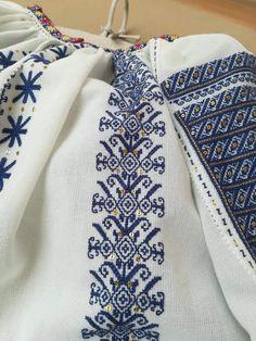 Floral Tie, Cross Stitch Patterns, Diy And Crafts, Abs, Shirts, Punto Cruz Gratis, Crunches, Abdominal Muscles, Dress Shirts