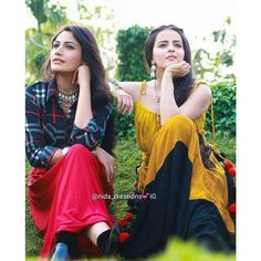 Two beauties together Indian Tv Actress, Indian Actresses, Cute Celebrities, Celebs, Shrenu Parikh, Surbhi Chandna, Stylish Blouse Design, Fashion Painting, Girls Dpz