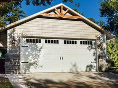44 Ideas Exterior Wood House Colors Fixer Upper For 2019 Garage Exterior, Garage Door Design, Exterior House Colors, Exterior Design, Exterior Paint, Fresco, Exterior Makeover, Garage Makeover, Wood Trim
