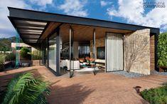 Casa sustentável fica pronta em apenas 5 meses. Fotos publicadas na revista Arquitetura & Construção.