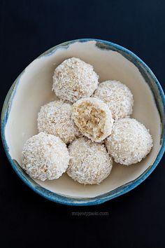 Fit Coconut Pralines