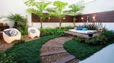 El día de hoy te quiero compartir una galería preciosa, con ideas muy atractivas de como podemos decorar nuestro jardin con piedras, siendo un jardin pequeño creemos que no tenemos muchas opciones pero con esta galería quiero que te des cuenta de lo contrario.