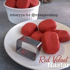 Resep nastar kekinian istimewa Indonesian Desserts, Indonesian Food, Cake Oven, Resep Cake, Fruit Salad Recipes, Pastry And Bakery, Bread Cake, Oreo, Red Velvet