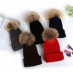 Children Winter Pom-Pom Beanine Hat with Warm Fleece Lined, Thick Slouchy Snow Knie Skull Ski Cap