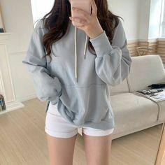 Korean Outfit Street Styles, Korean Outfits, Korean Clothes, Kpop Fashion Outfits, Mode Outfits, Crop Top Outfits, Short Outfits, Forever 21 Outfits, Korean Girl Fashion