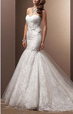 Fit and Flare Sweetheart Court Train Lace Wedding Dress