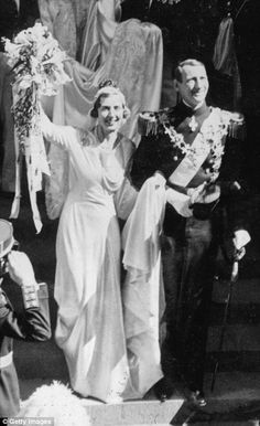 Princess Ingrid of Sweden wore the priceless Khedive of Egypt tiara for her marriage to Cr...