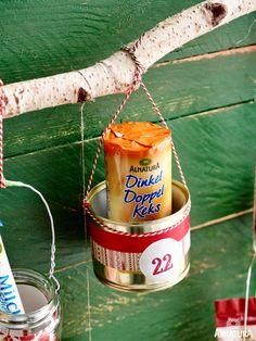 Der Alnatura Adventskalender zum Selberbasteln: Viele Leckereien zum Füllen gibt's bei Alnatura. Nice, Christmas, Craft Tutorials, Christmas Presents, Treats, Nice France