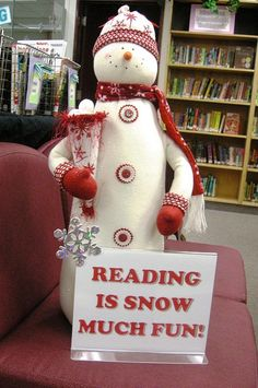 """""""Reading is Snow Much Fun!""""  Go to http://www.flickr.com/photos/vblibrary/sets/72157632017250515/with/8188568483/ for downloadable/printable wording for this sign."""