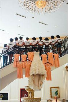 ¿De quien es cada vestido?
