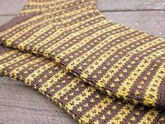 MiunMaun.com: Lankaohjuri, tiplut ja arvonta Knitting Socks, Accessories, Fashion, Breien, Knit Socks, Moda, Fashion Styles, Fashion Illustrations, Jewelry Accessories
