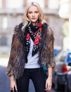 Más fotografías de la modelo letona Ginta Lapina en tiempo de litigio http://shar.es/1g5jXz #Fashion #Moda #Letonia
