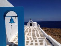 Kythnos Photo by Ritsa Xoriatiki Greek Islands Vacation, Greek Beauty, Greek House, Greece Islands, Tropical, Crete, Santorini, The Good Place, Places To Visit