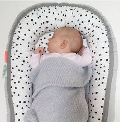 Done by Deer Dots Cozy Baby Nest - Grijs Done By Deer, Days And Months, Baby Cocoon, Bassinet, Baby Room, Baby Kids, Balloons, Dots, Relax