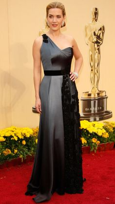 Kate Winslet wearing Yves Saint Laurent at the 2009 #Oscars: http://aol.it/1hPLQgy