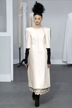 Behind the Seams: Chanel Couture Fall 2016 | Hint Fashion Magazine