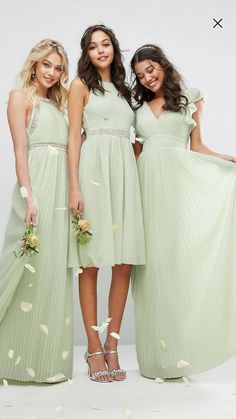 Buy TFNC WEDDING V Front Maxi Dress with Frill Sleeves at ASOS. With free delivery and return options (Ts&Cs apply), online shopping has never been so easy. Get the latest trends with ASOS now. Latest Fashion Clothes, Latest Fashion Trends, Fashion Online, Bella Bridal, Wedding Inspiration, Style Inspiration, Wedding Ideas, Bridesmaid Dresses, Wedding Dresses