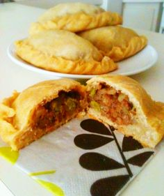 Wholly Vegan: VeganMoFo Day 10: Filipino Empanadas (I'd replace the vegan meat crumbles with pinto beans)
