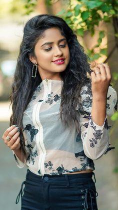 Beautiful Girl Body, Beautiful Girl Indian, Beautiful Indian Actress, Girl Pictures, Girl Photos, Hd Photos, Fashion Desinger, Dehati Girl Photo, Bollywood Girls