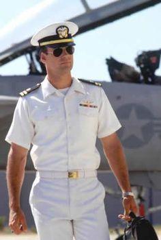 Nothing tops a man in uniform! Pilot Uniform, Men In Uniform, Sexy Military Men, David James Elliott, Navy Uniforms, Indian Navy, Navy Wife, Girl Photo Poses, Classic Tv