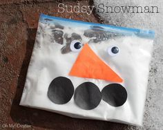 Snowman Kids Craft Shaving Cream In bag with colour, remove snowman face. Baby craft, sensory activityShaving Cream In bag with colour, remove snowman face. Winter Crafts For Kids, Winter Kids, Art For Kids, Preschool Winter, Long Winter, Baby Crafts, Toddler Crafts, Kid Crafts, Craft Activities