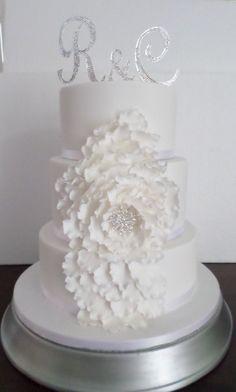 Diamonte Ruffle Flower wedding cake created by Villa Chateau