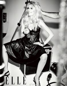Claudia Schiffer covers Elle Portugal and Elle Singapore October 2018 by Ellen von Unwerth - fashionotography Covet Fashion, Leather Fashion, New Fashion, Georgia May Jagger, Nadja Auermann, Ellen Von Unwerth, Claudia Schiffer, Eva Green, 90s Models