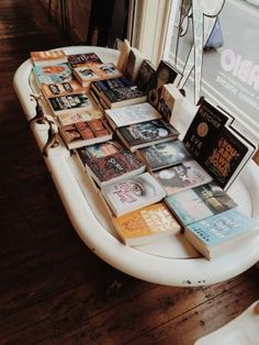 A Bibliophile's Escape in Bath - Amy's Bookshelf #books #bookshops #bibliophile #bookshelves #bath