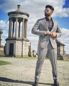 Parmish verma looking dashing 🔥🔥🔥 Karan Vohra, Parmish Verma Beard, Designer Suits For Men, Stylish Boys, Indian Wedding Photography, Mens Fashion, Fashion Outfits, Mens Clothing Styles, Bearded Men