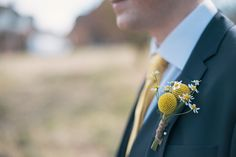 Yellow and white boutonniere. Photography by www.daffodilwaves.co.uk