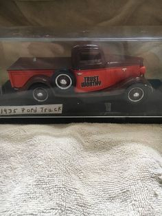 LIBERTY CLASSICS TRUST WORTHY 1935 FORD PICKUP COIN BANK 1:25 SCALE #LIBERTYCLASSICS #Ford