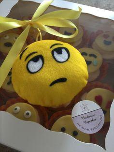 Emoji cupcakes Birthday Cupcakes, Emoji, Christmas Ornaments, Holiday Decor, Party, Desserts, Food, Anniversary Cupcakes, Tailgate Desserts