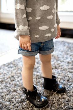 Zara Cloud Sweater / Photo via Grey Star Kids Blog