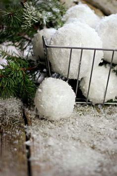 DIY Snowballs made with styrofoam and Epson salt