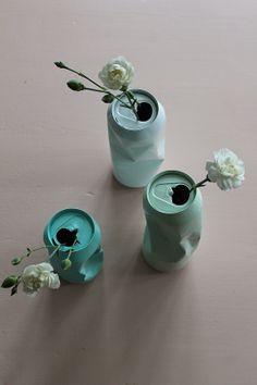 1 canette froissée + de la peinture en bombe = un soliflore printanier / Huset ved fjorden: DIY; blomstervase