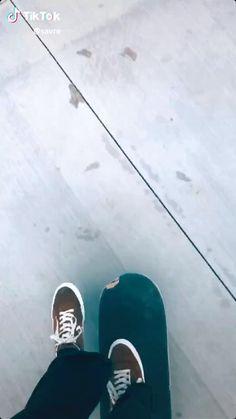 Beginner Skateboard, Skateboard Videos, Skateboard Deck Art, Penny Skateboard, Skateboard Design, Cool Skateboards, Where To Buy Skateboards, Skateboards For Girls, Spitfire Skate