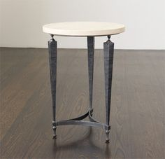 Side / Lamp Table