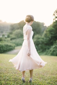 Chic tea-length dip-dyed pink ombre wedding dress // Sparks Fly: Elegant Anniversary Picnic at Hort Park