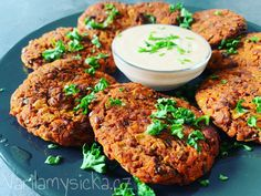 Tandoori Chicken, Salmon Burgers, Yummy Food, Snacks, Ethnic Recipes, Fit, Food Ideas, Appetizers, Delicious Food