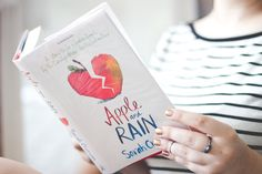 Melina Souza - Serendipity <3 http://melinasouza.com/2015/02/06/apple-and-rain-sarah-crossan/ #Books #Melina Souza #Serendipity