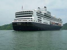 ms Rotterdam anchored
